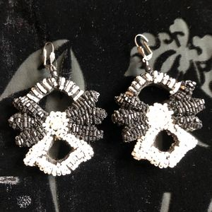 Jewelry - Balinese beaded black and white drop earrings